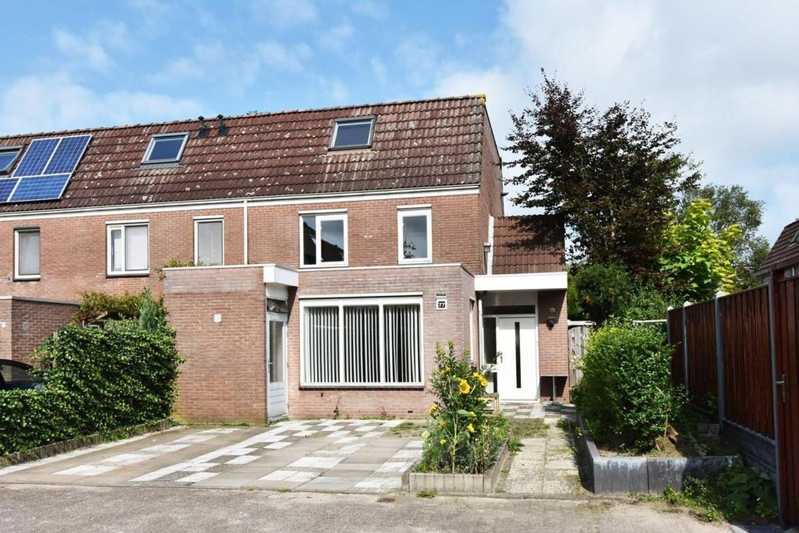 Doornenburg 77, Leidschendam foto-0