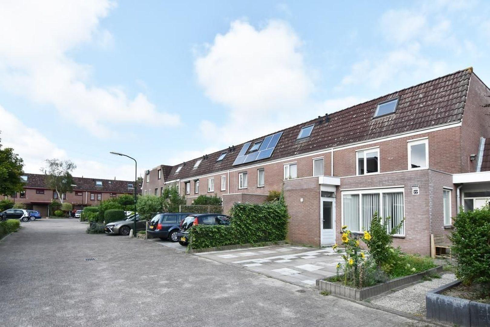 Doornenburg 77, Leidschendam foto-1