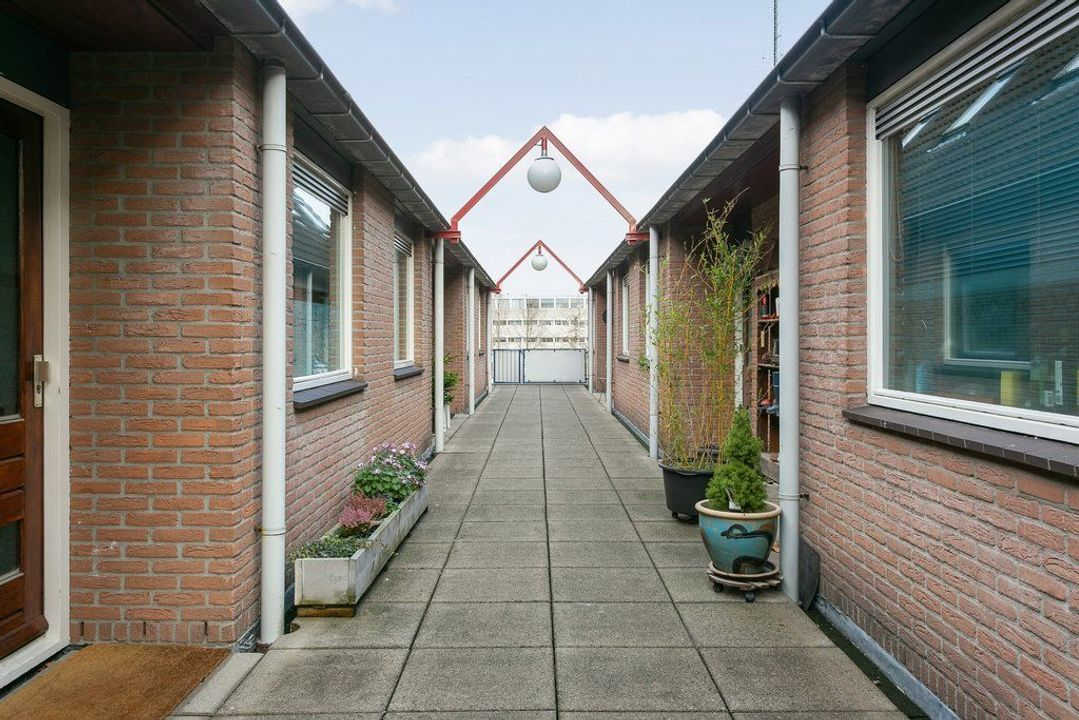 Hollandia 48, Veenendaal foto-small