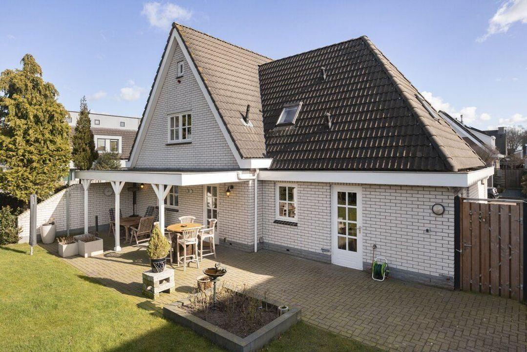 Moerasmos 9, Veenendaal foto-small