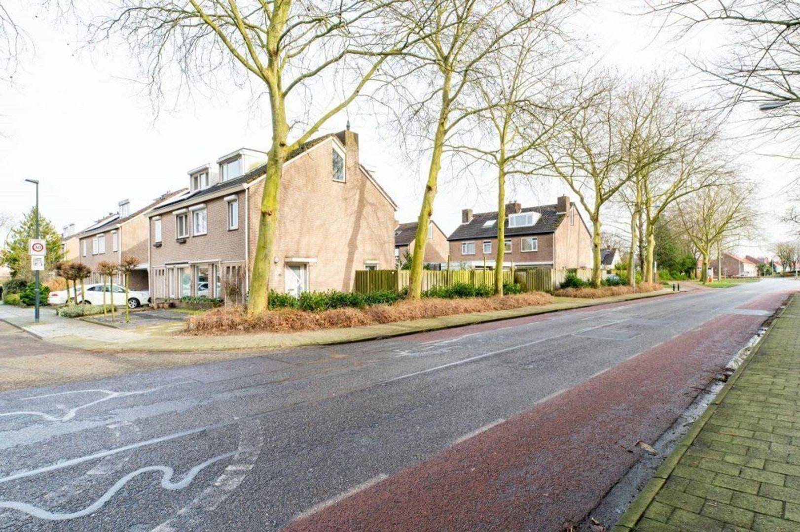 Ambachtslaan, Veldhoven foto-2 blur