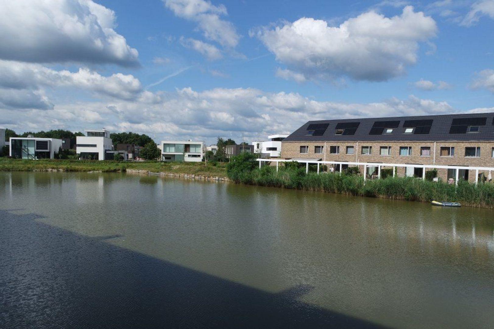 Waterfront, Eindhoven foto-1 blur