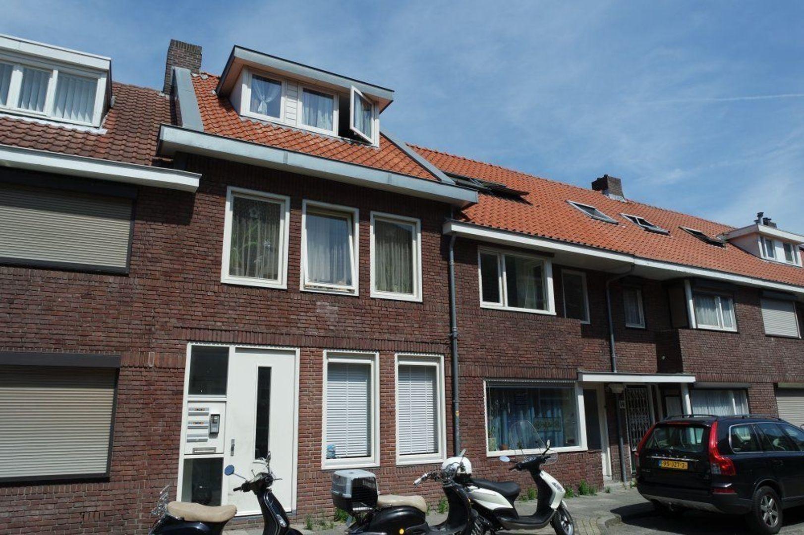 Kerkakkerstraat, Eindhoven foto-0 blur