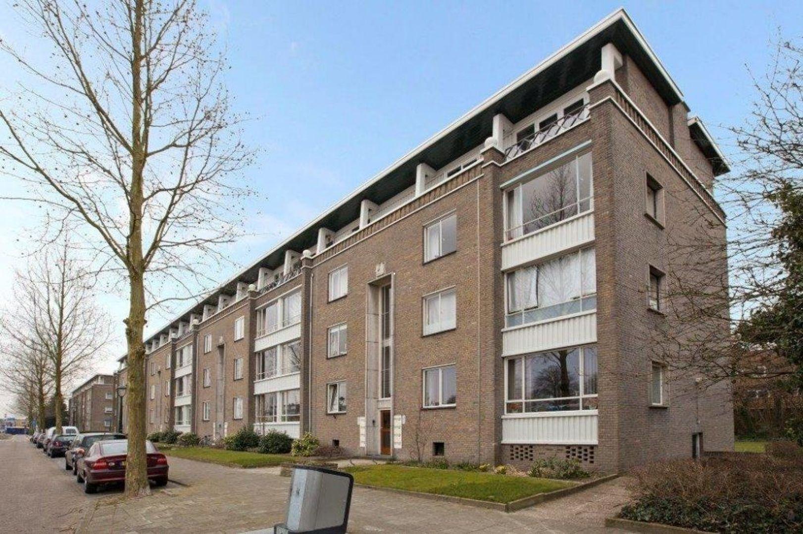 Boutenslaan, Eindhoven foto-0 blur