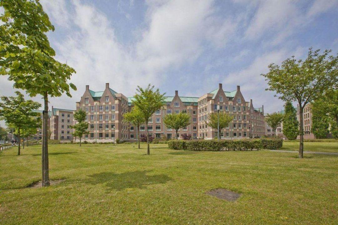 Frans Joseph van Thielpark, Helmond blur