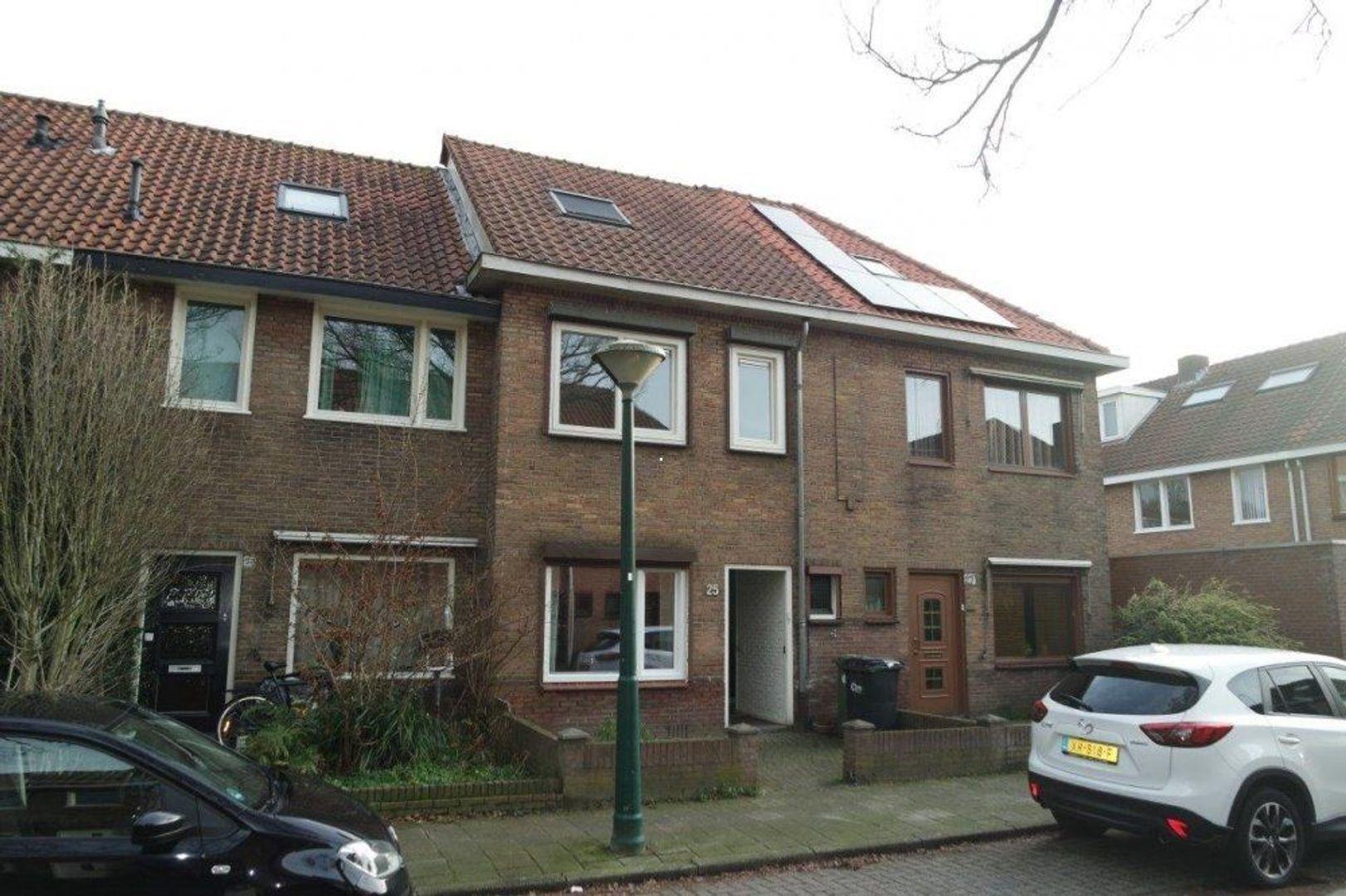 Zevenbergenstraat, Eindhoven foto-0 blur