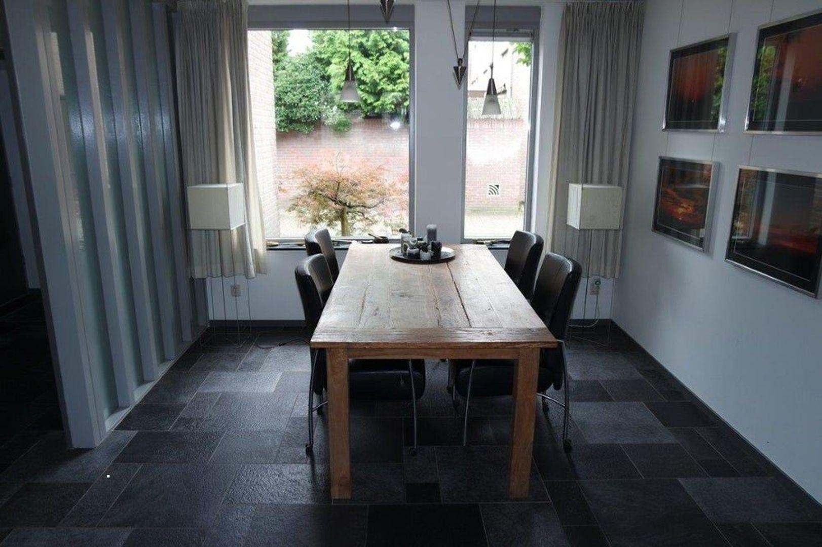 Champagnehof, Eindhoven foto-1 blur