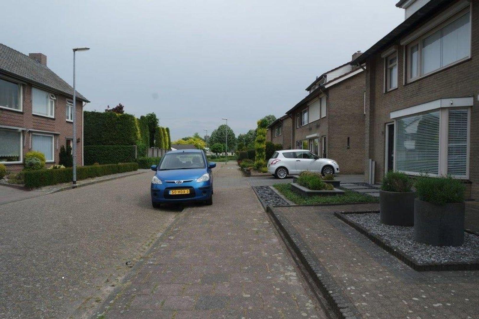 Eindstraat, Veldhoven foto-1 blur