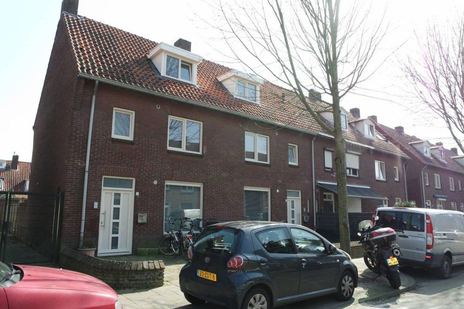 Diepenbrockstraat, Eindhoven foto-0 blur