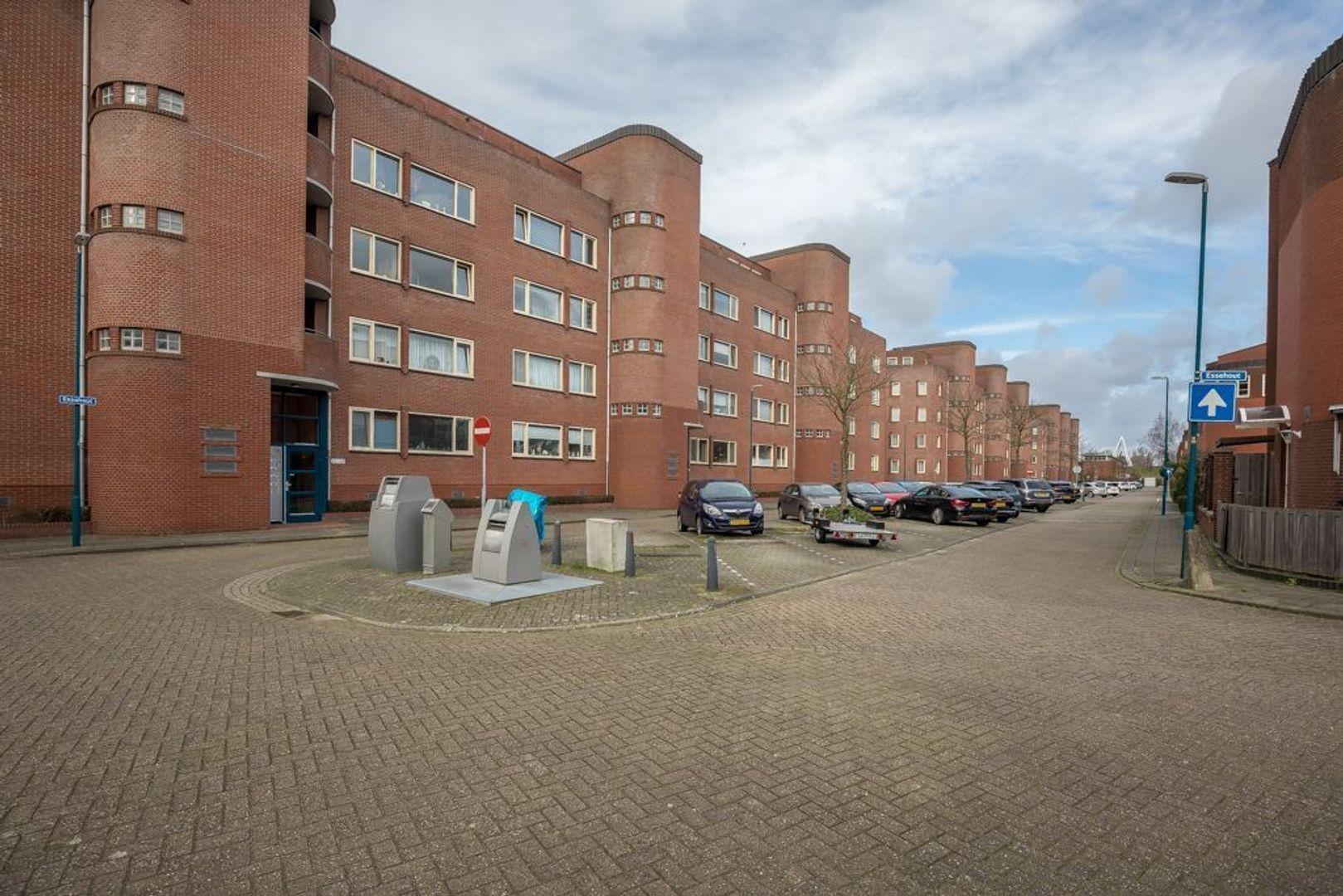 Essehout 52, Zoetermeer foto-1