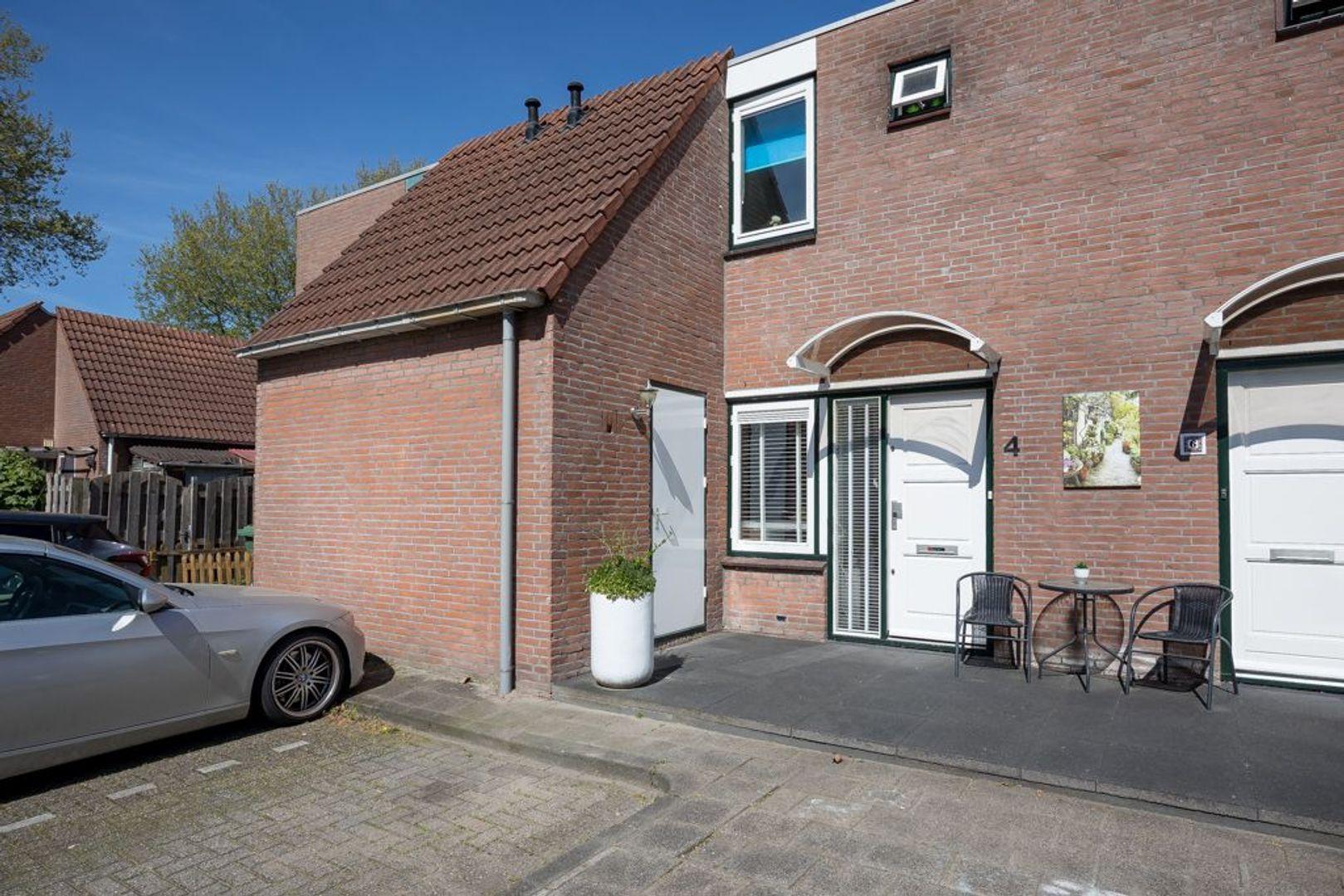 Mosterdakker 4, Zoetermeer foto-0