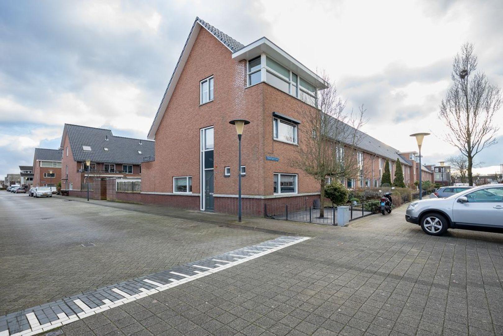 Hoogvlietstraat 3, Zoetermeer foto-0
