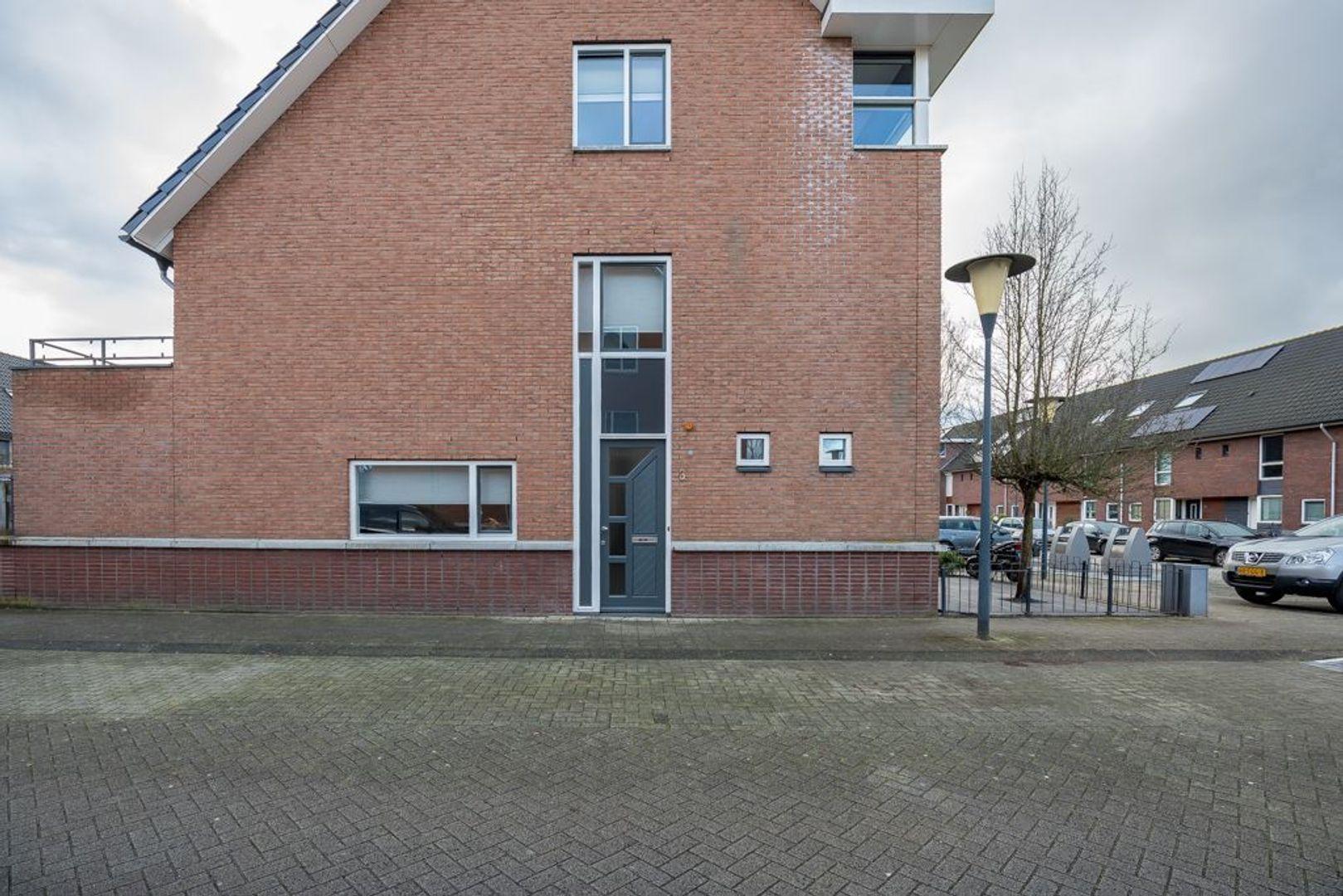 Hoogvlietstraat 3, Zoetermeer foto-1