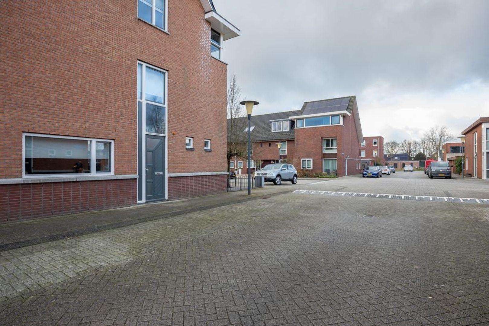 Hoogvlietstraat 3, Zoetermeer foto-2