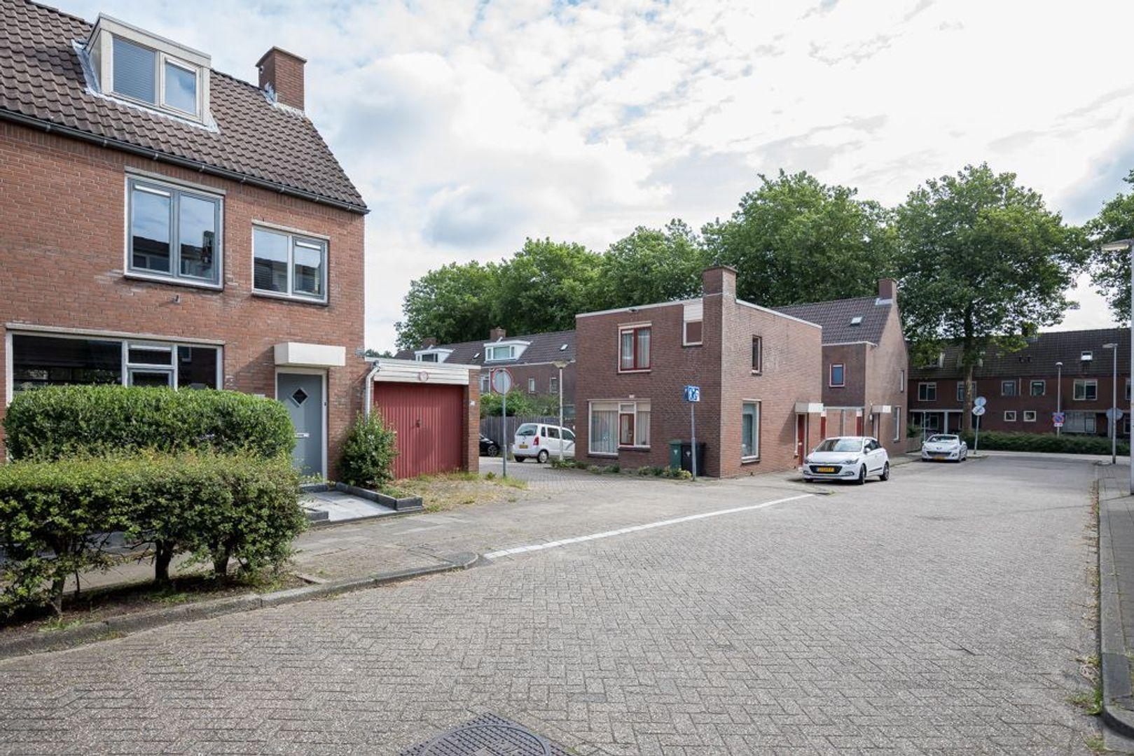Kroosvaart 20, Zoetermeer foto-2