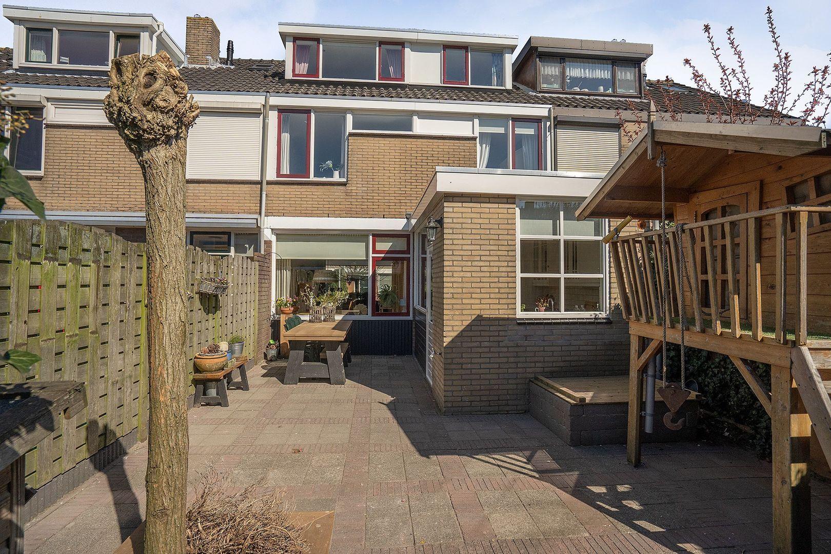Beatrixstraat 8, Nieuw-Beijerland foto-28 blur