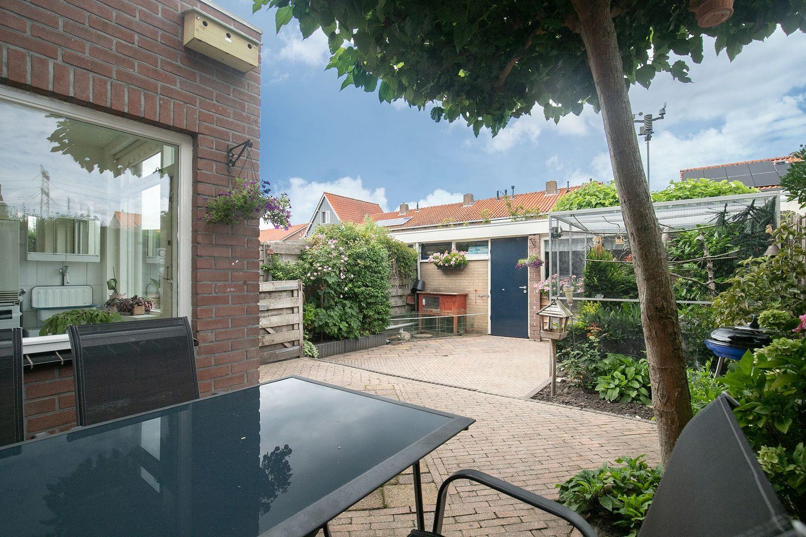 Christinastraat 8, Nieuw-Beijerland foto-23 blur