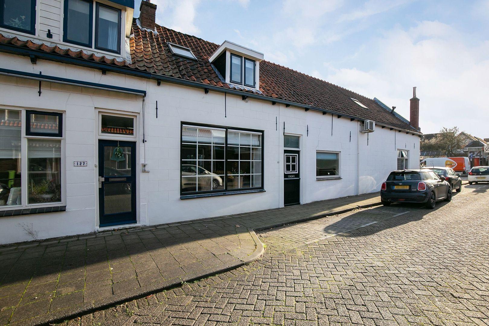Prins Bernhardstraat 129, Oud-Beijerland foto-26 blur