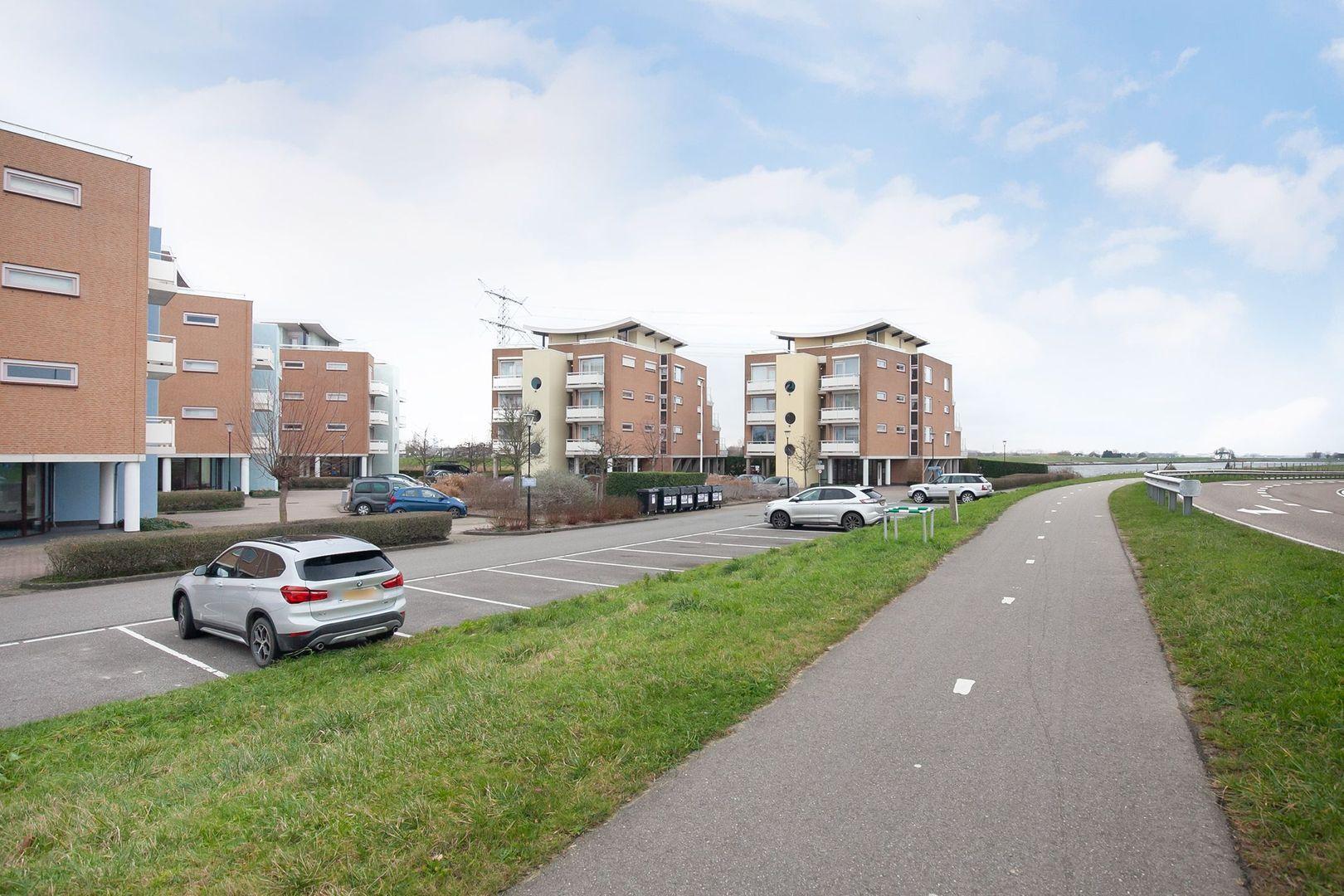 Scheepswerf 310, Nieuw-Beijerland foto-29 blur