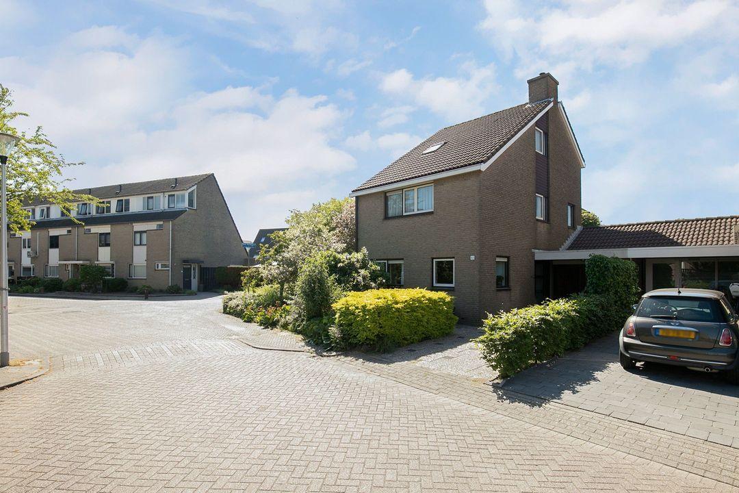 Van den Bergstraat 42, 3263 EB Oud-Beijerland