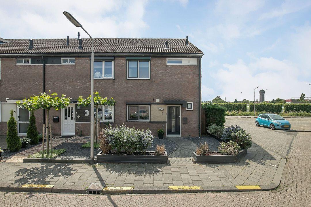 Jaap Kosterstraat 1, 3286 VT Klaaswaal