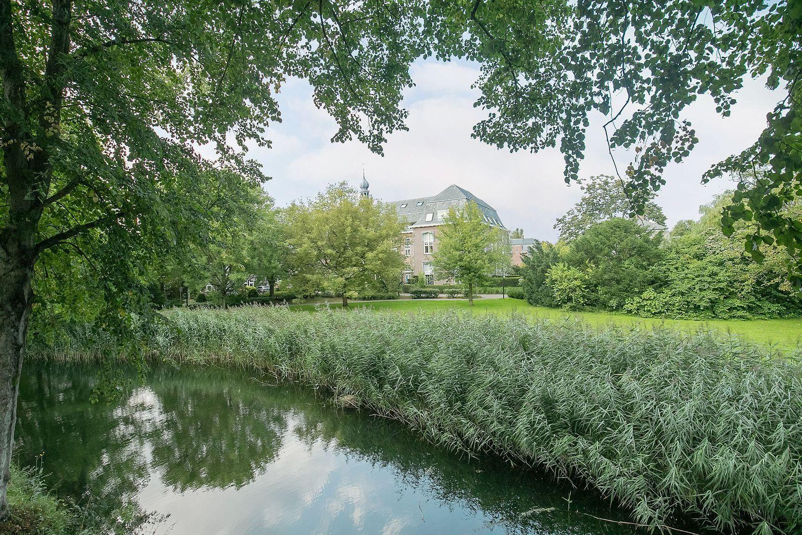 H.B.S.Laan 38, Oud-Beijerland foto-38 blur