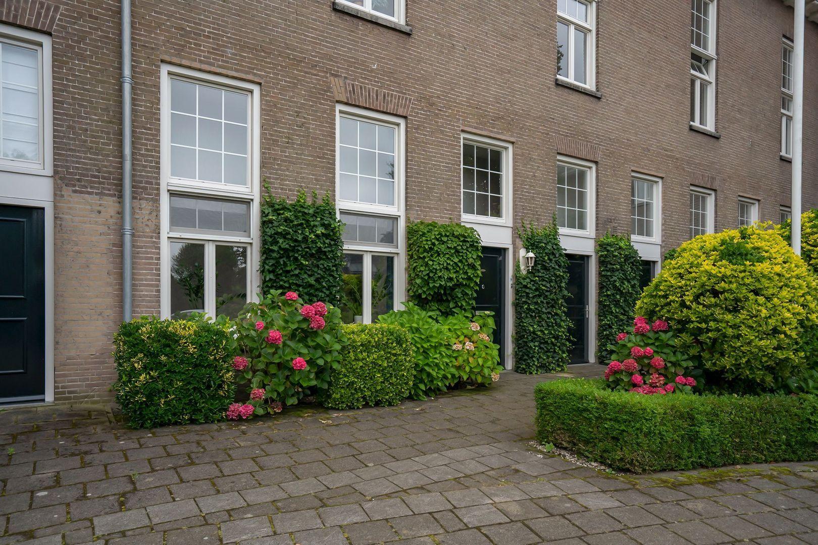 H.B.S.Laan 38, Oud-Beijerland foto-1 blur