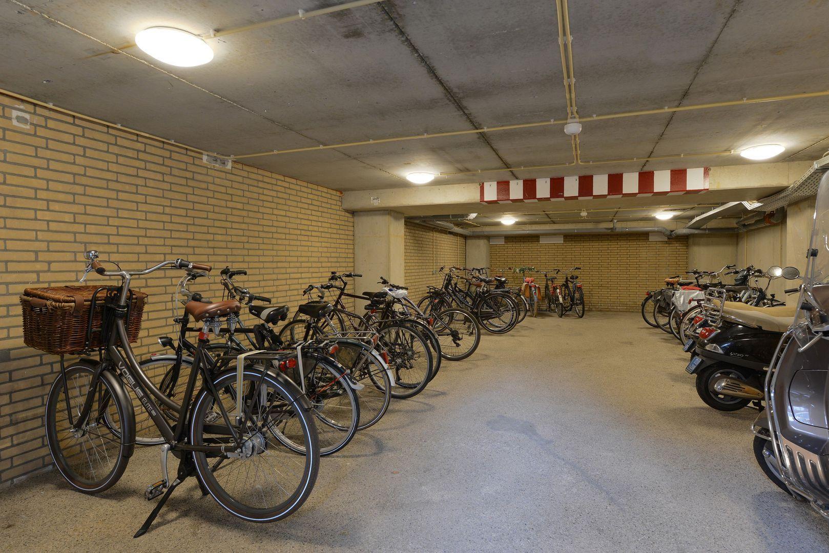 Nobelstraat 19 A-13, Haarlem foto-9