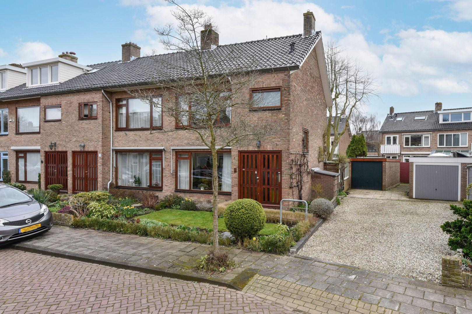 Van Diemenlaan 9, Haarlem foto-0