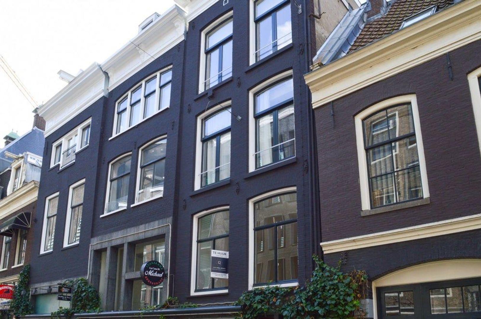 Reguliersdwarsstraat, Amsterdam foto-0 blur