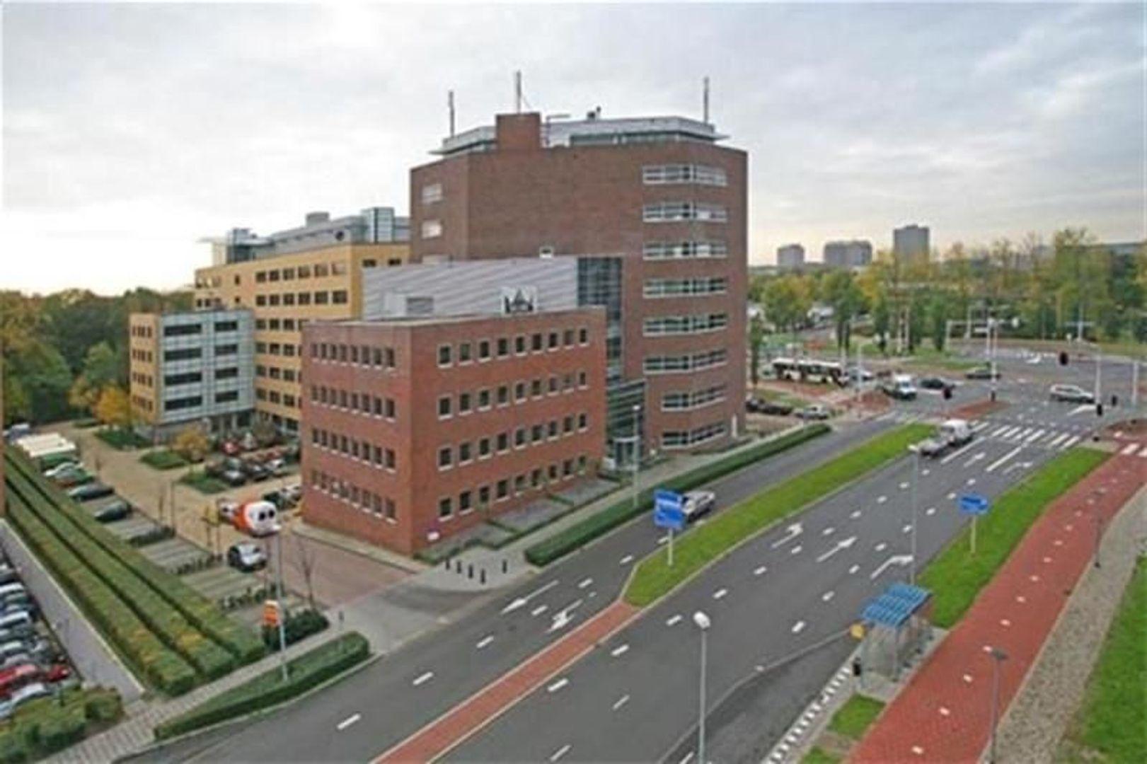 Laan van Oversteen 2, Rijswijk foto-1 blur