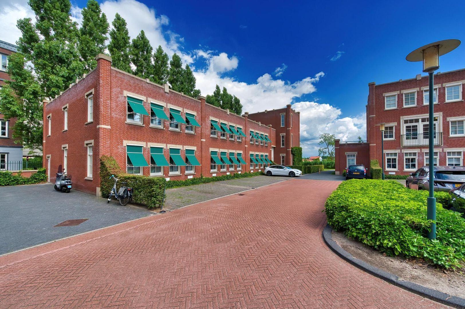 Laan van Zuid Hoorn 37, Rijswijk foto-0 blur