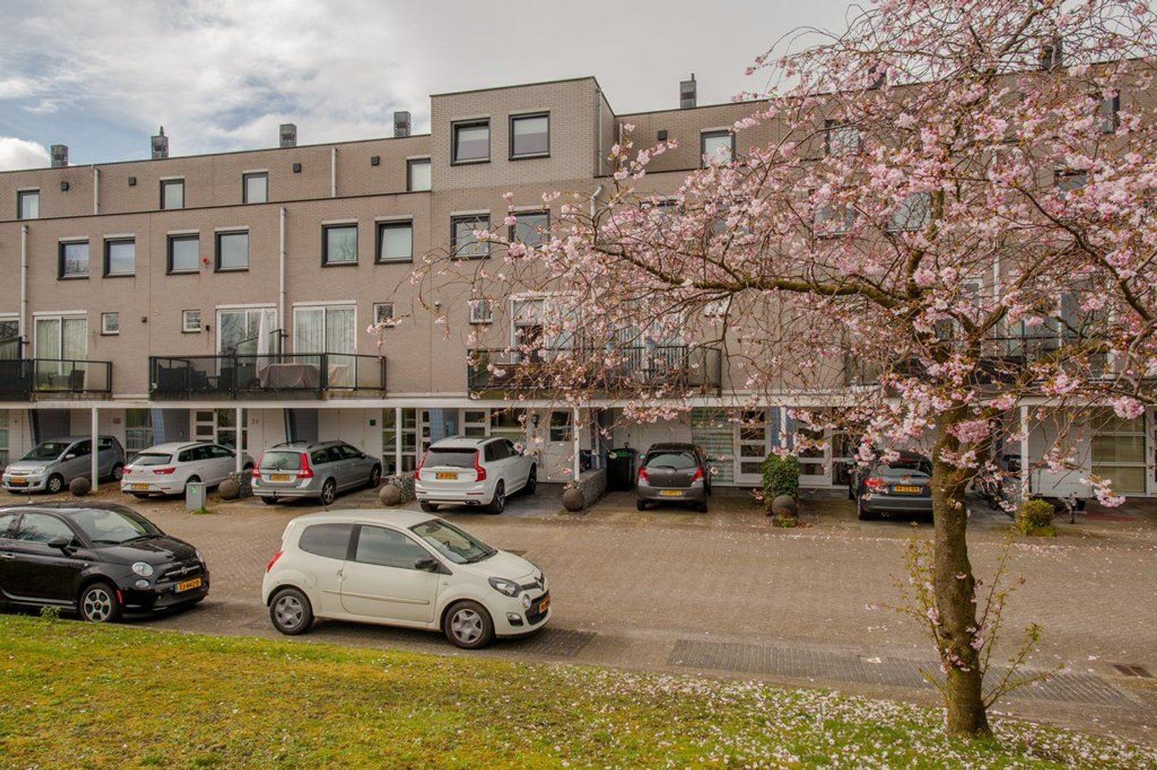 Laan van der Kroft 32, Den Haag foto-1 blur