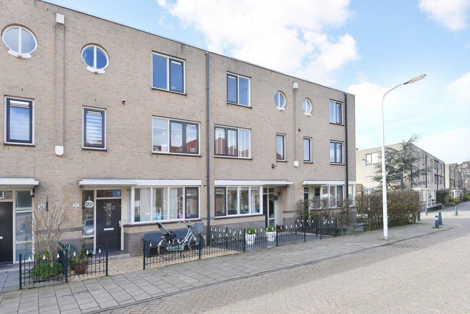Engeringstraat 39, Den Haag foto-1 blur