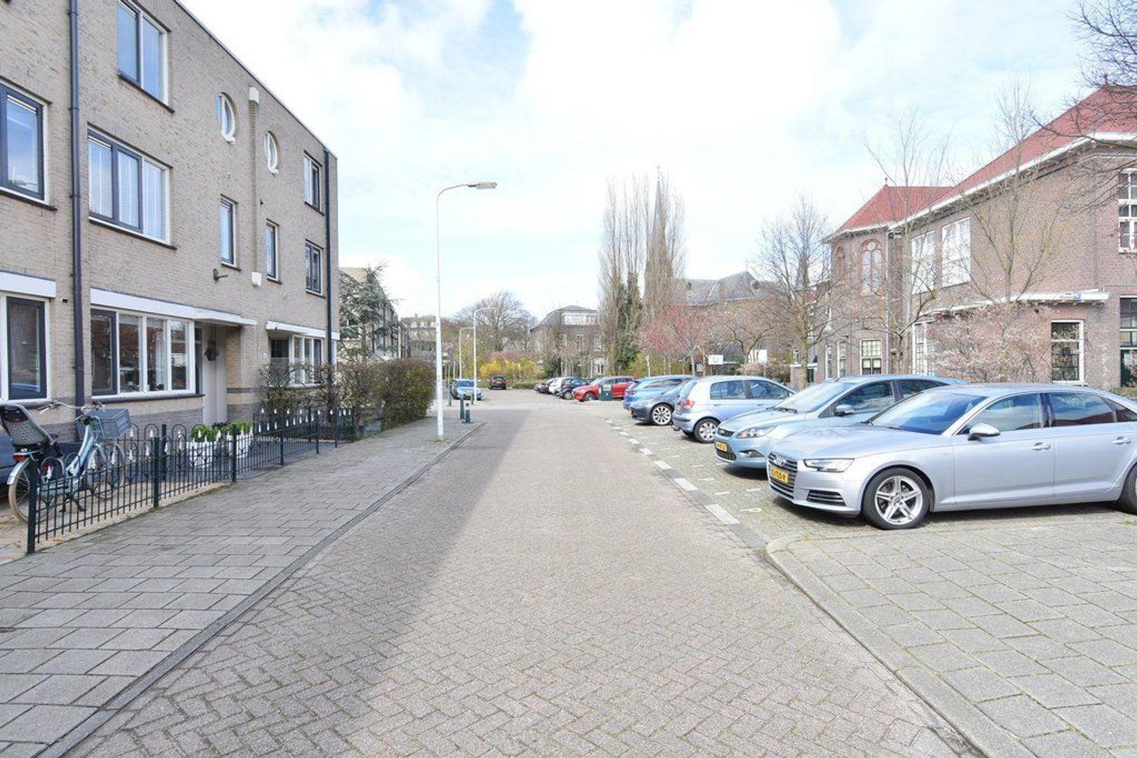 Engeringstraat 39, Den Haag foto-38 blur
