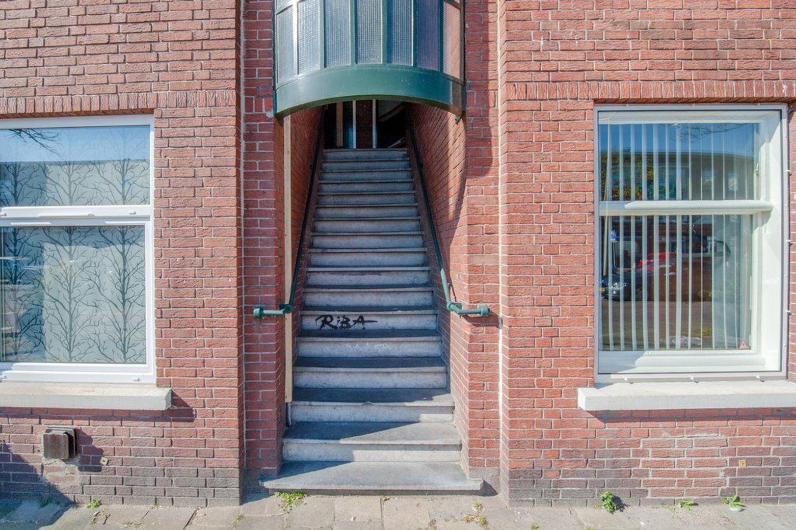 De Genestetlaan 17, Den Haag foto-1 blur