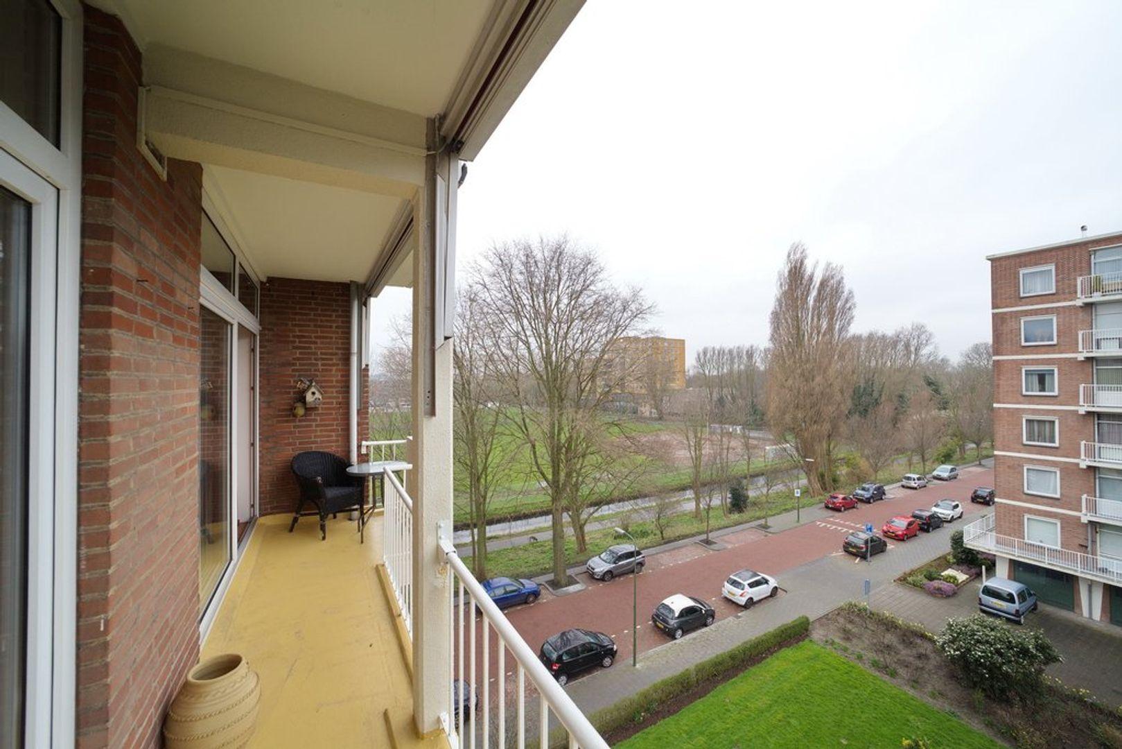 Ranonkelstraat 125, Den Haag foto-6 blur
