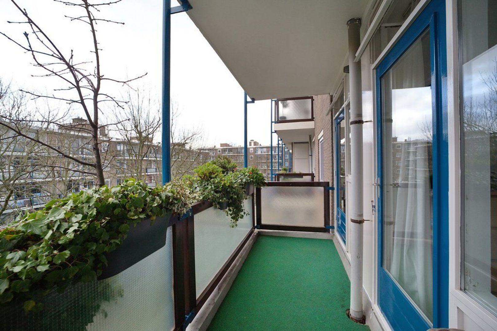 Landrestraat 360, Den Haag foto-16 blur