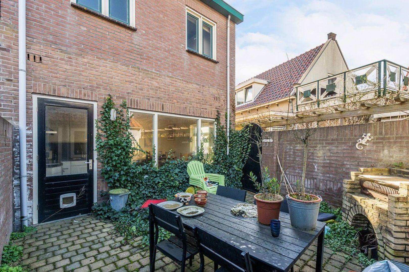 Zuidstraat 92, Katwijk foto-27 blur