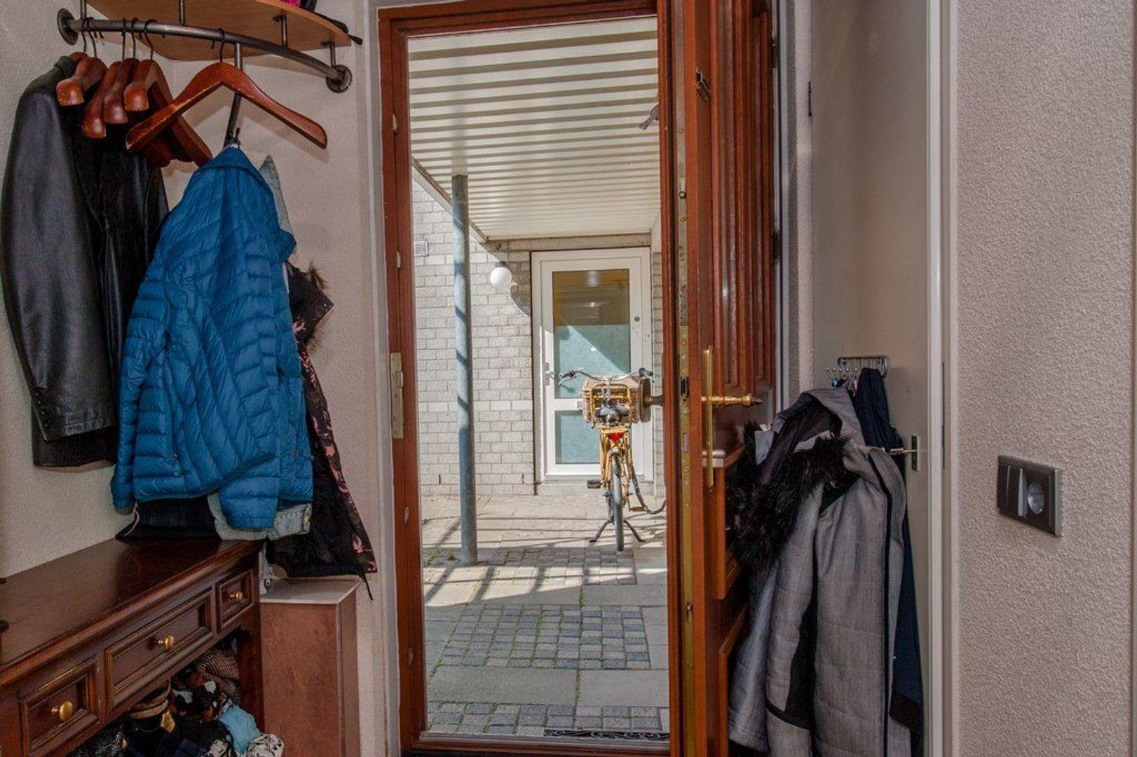 Annie van Hattemstraat 7, Leiden foto-9 blur