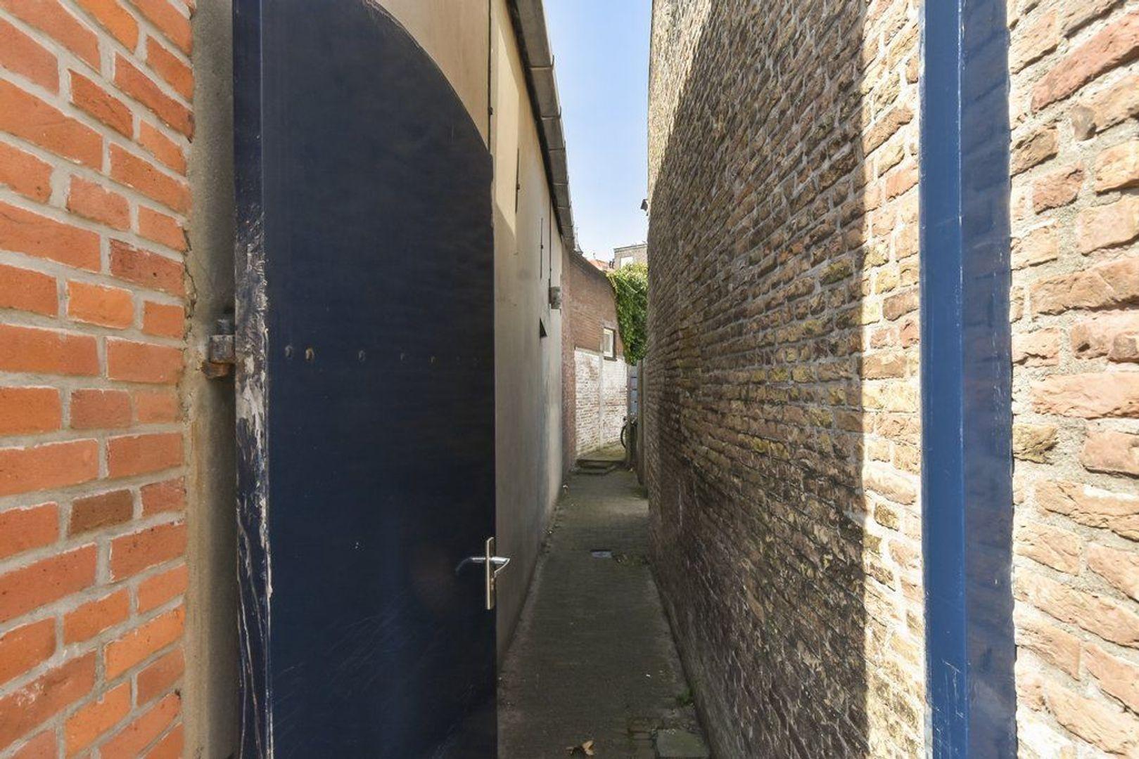 Kerkstraat 3, Naaldwijk foto-11 blur