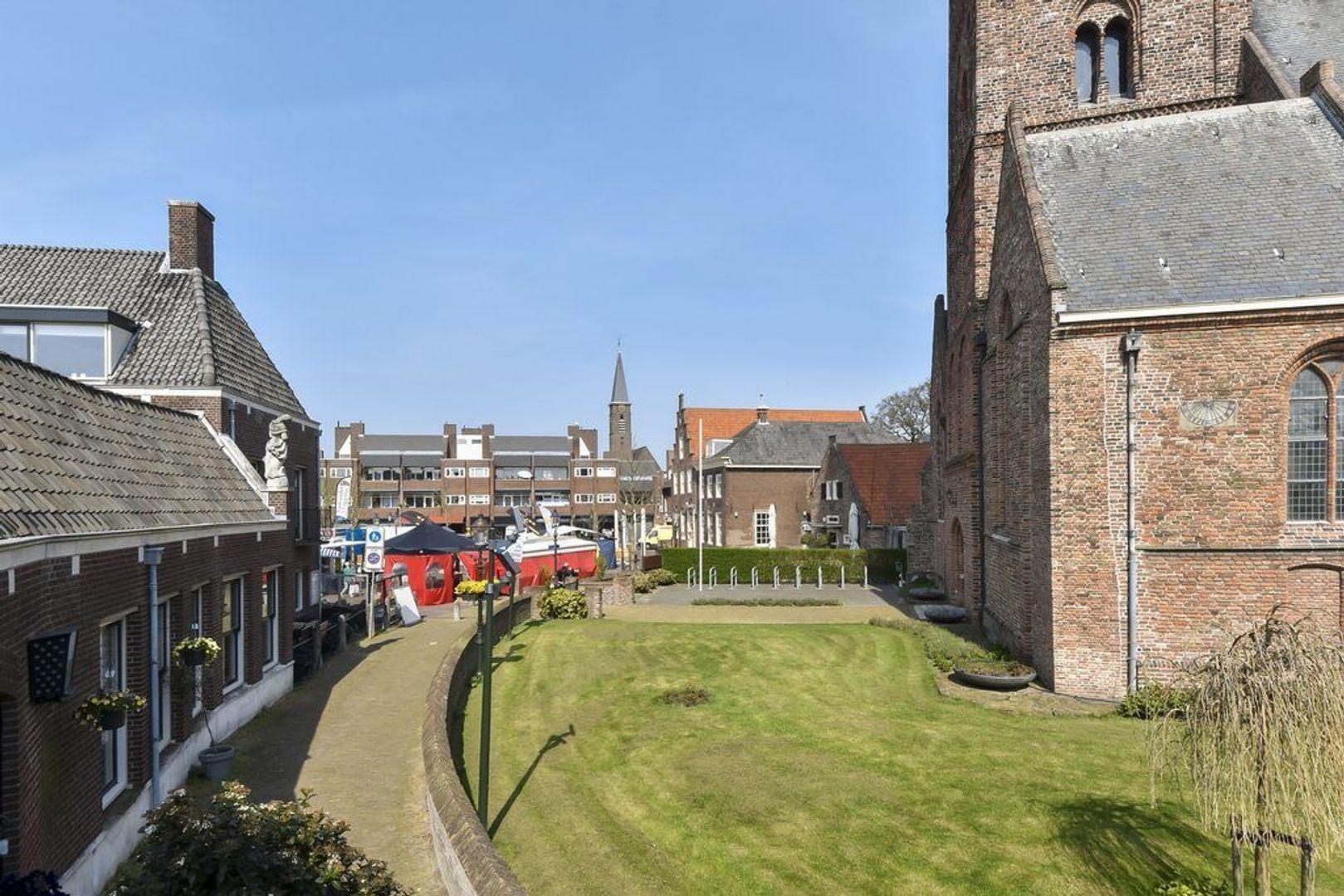 Kerkstraat 3, Naaldwijk foto-38 blur
