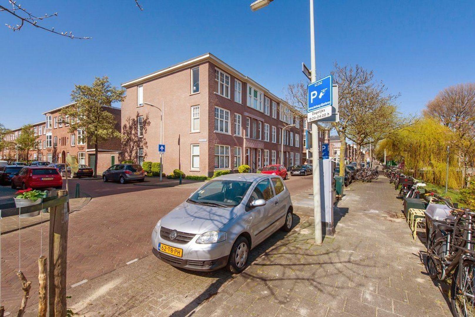 Ligusterstraat 25, Den Haag foto-38 blur