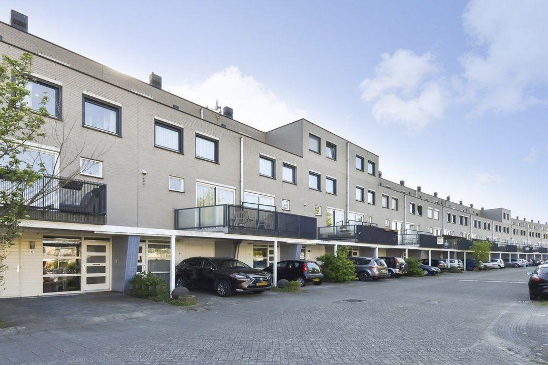 Laan van der Kroft 6, Den Haag
