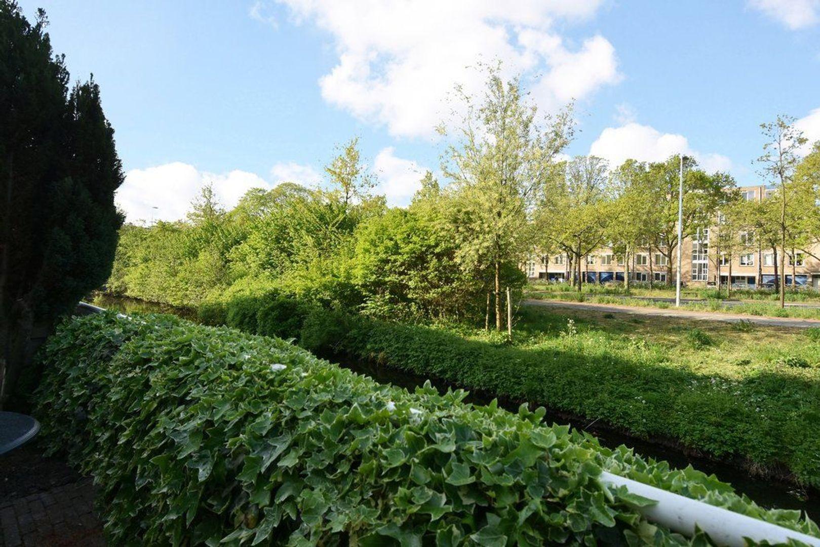 Laan van der Kroft 42, Den Haag foto-6 blur