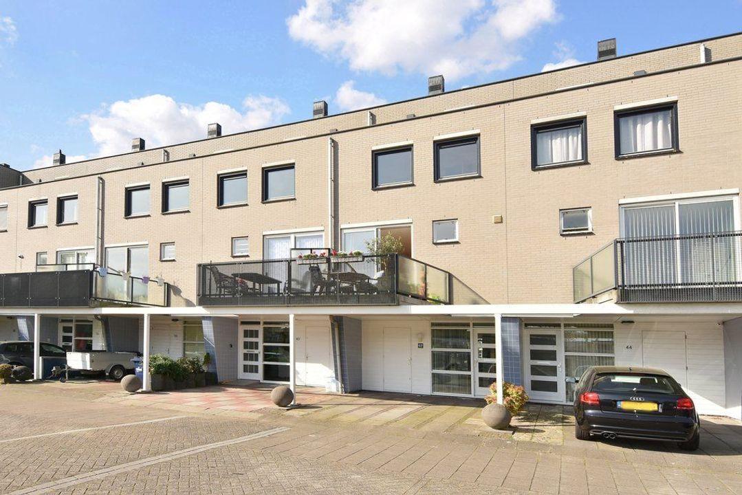 Laan van der Kroft 42, Den Haag