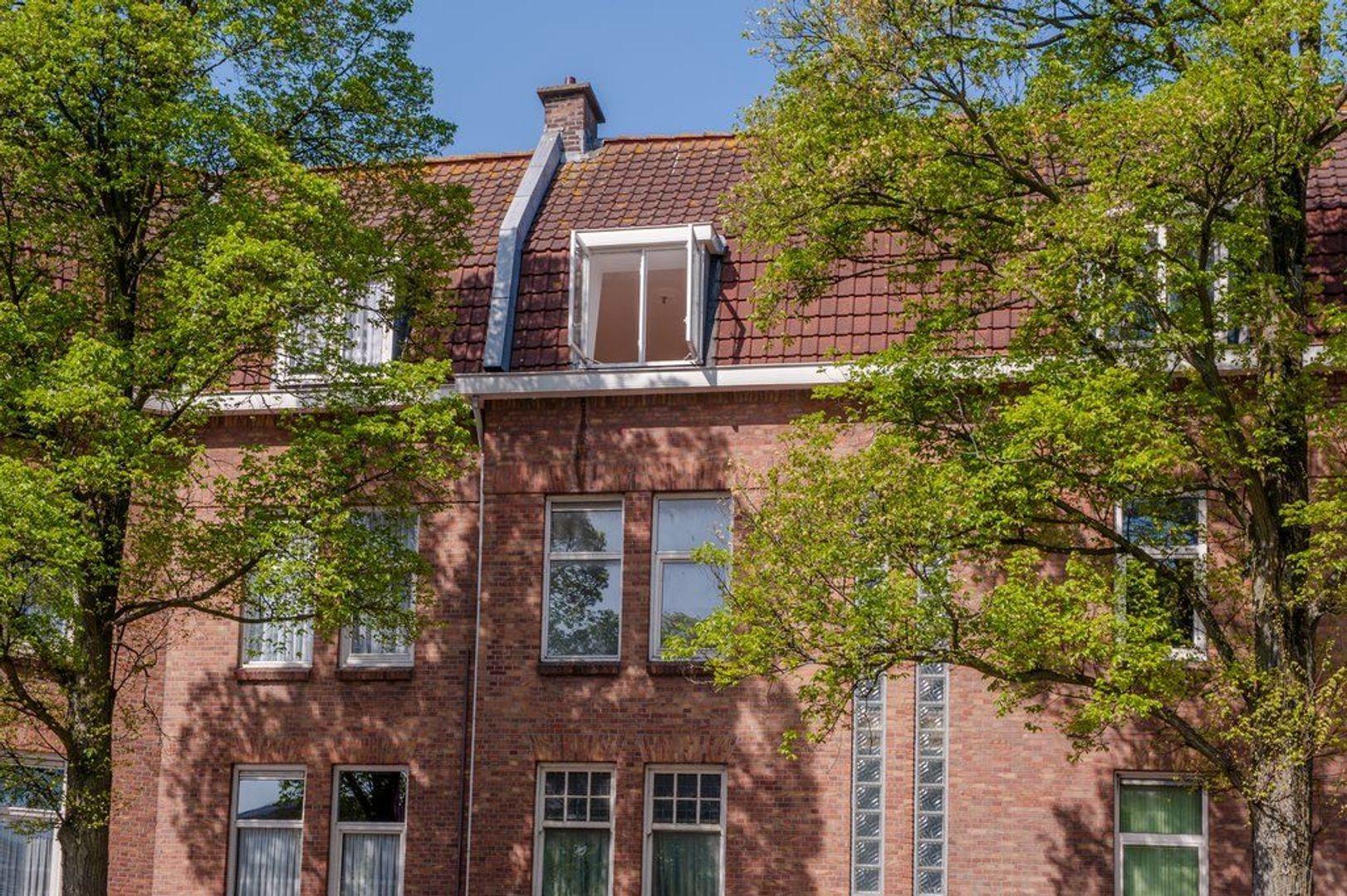 Hobbemaplein 41 *, Den Haag foto-32 blur