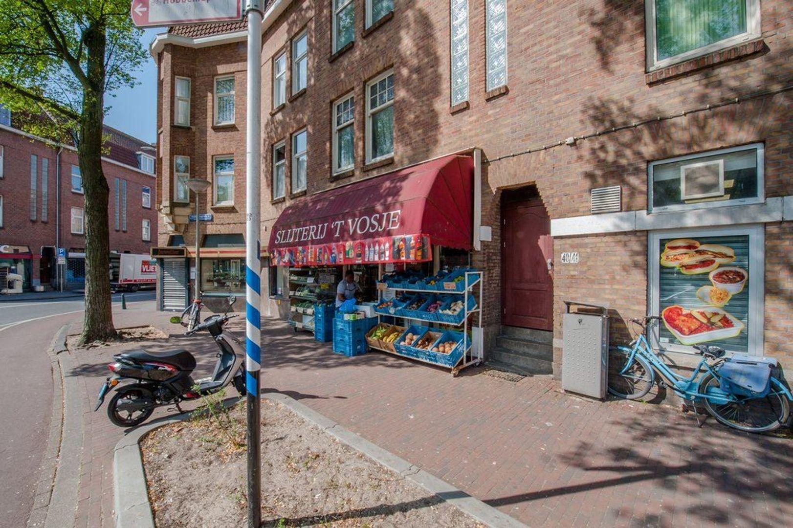 Hobbemaplein 41 *, Den Haag foto-1 blur