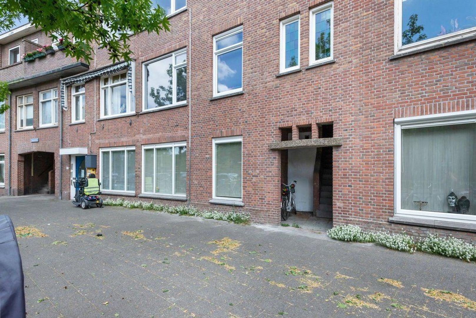Mient 165, Den Haag foto-8 blur