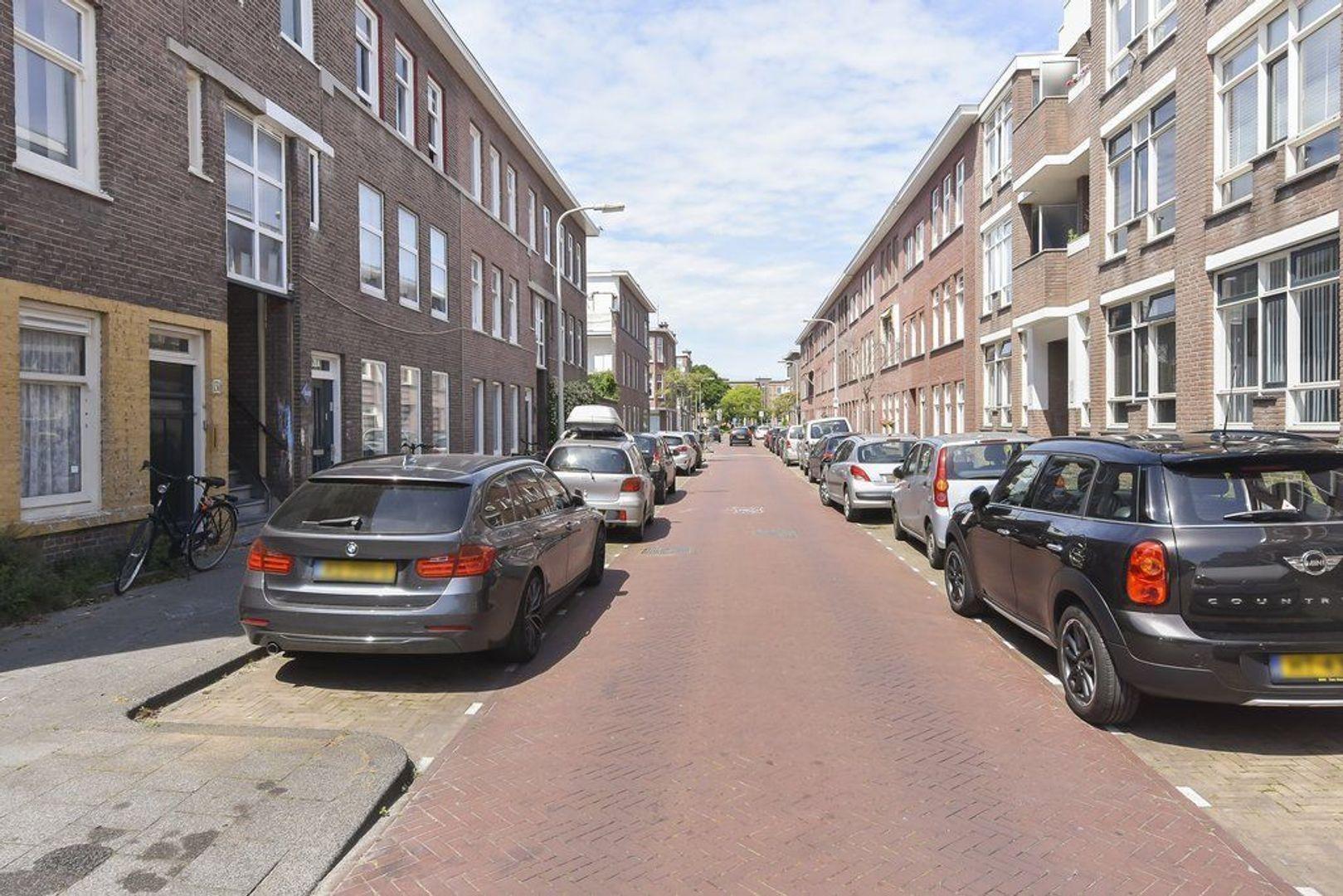 Meidoornstraat 25 b, Den Haag foto-2 blur